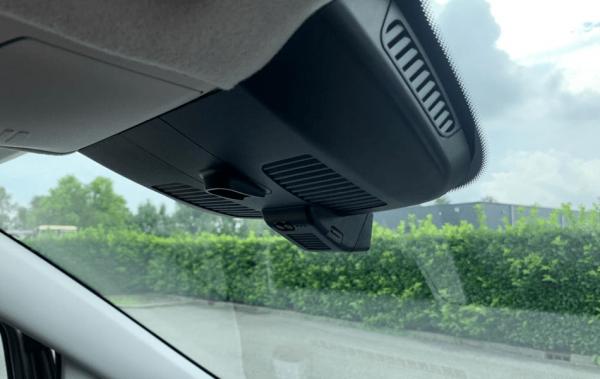 Mercedes Benz Dashcam 2